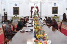 Panitia Mahasabha XII PHDI Hadap Jokowi di Istana, Ini yang Dilaporkan Wisnu Bawa Tenaya - JPNN.com Bali
