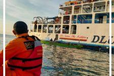 KMP Wicitra Dharma Kandas di Kayangan, Evakuasi Penumpang Berjam-jam - JPNN.com