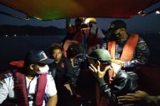 SAR Temukan Tumpahan Minyak dan Pelampung KM Liberty 1, Fokus Pencarian ke Arah Barat - JPNN.com