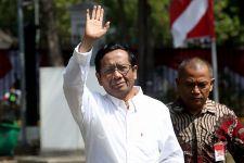 Irwan Fecho Menduga Mahfud MD Terpapar Buzzer Istana, Begini Kalimatnya - JPNN.com