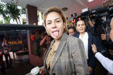 Nikita Mirzani Blak-blakan Dukung Denise Lawan Dewi Perssik - JPNN.com