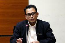 Usut Kasus Korupsi Cukai Rokok dan Miras, KPK Periksa Bobby - JPNN.com