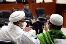 Ssst, Ustaz Hidayat Membeber Kejanggalan Vonis Habib Rizieq, Singgung Nama Jokowi - JPNN.com