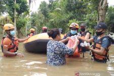 Indonesia Catat 154 Kasus Bencana Alam Selama 3 Pekan Pertama Tahun 2021 - JPNN.com Jatim