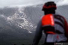 Awan Panas Gunung Semeru Terjang 6 Desa di Lumajang - JPNN.com Jatim