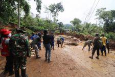 Longsor di Jalan Penghubung Malang-Kediri, Tiga Eskavator Dikerahkan - JPNN.com Jatim