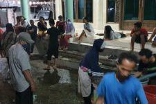 PDAM Surabaya Kena Sentil Anggota DPRD karena Bikin Kerumunan Warga - JPNN.com Jatim