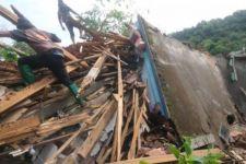 Tragedi Tanah Longsor di Nganjuk, Seorang Ibu Hamil Berhasil Ditemukan - JPNN.com Jatim
