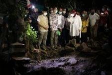 Tri Rismaharini Cerita soal Orang Zaman Dulu Bangun Jembatan Pakai Bahan Simpel - JPNN.com Jatim