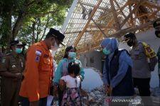 Khofifah Berikan Dana Bantuan Sewa Rumah untuk Korban Gempa di Lumajang - JPNN.com Jatim