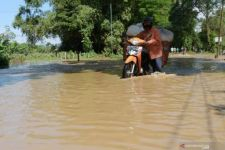 Sejumlah Wilayah di Madiun Terendam Banjir Setinggi Dengkul - JPNN.com Jatim