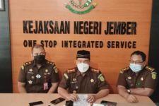 Kejari Jember Limpahkan Berkas Perkara Korupsi Pasar Manggisan Jember ke Pengadilan Negeri Surabaya - JPNN.com Jatim