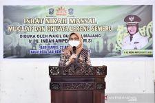 Belasan Pasangan Ikut Nikah Massal Mualaf dan Duafa di Lumajang - JPNN.com Jatim