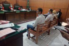 Bapak dan Anak di Surabaya Terancam Dipenjara Gara-gara Sarung - JPNN.com Jatim