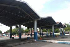 Gegara Stiker Ini, Tak Ada Bus Beroperasi di Terminal Tawangalun - JPNN.com Jatim