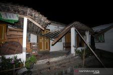 Rumah Pak Jazuli Roboh Usai Gempa Bumi di Blitar - JPNN.com Jatim