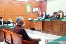 Mengaku Pemilik Hotel Garden Palace Surabaya, Pria Ini Duduk di Kursi Pesakitan - JPNN.com Jatim