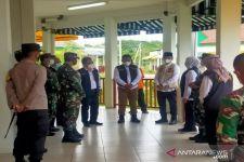 Begini Cara Khofifah Penuhi Tuntutan Warga Madura Penolak Penyekatan di Suramadu - JPNN.com Jatim