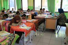 Pemkot Surabaya Siapkan Beasiswa untuk Siswa SMP Swasta dari Keluarga MBR - JPNN.com Jatim