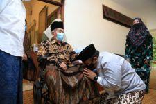 Gus Yaqut Ketemu Para Kiai di Pulau Jawa Bagi-bagi Surat Edaran Aturan Perayaan Kurban - JPNN.com Jatim