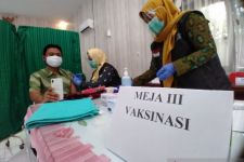 Baru 22 Persen Vaksinasi Covid-19 Terlaksana di Situbondo - JPNN.com Jatim
