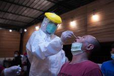 Dua Orang Asal Madiun Tahu-tahu Digiring Satgas Covid-19 saat di Rumah Makan Suronatan - JPNN.com Jatim