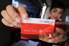 Nasabah Bank Jatim Segera Ganti Kartu ATM Anda Sebelum 31 Juli 2021 - JPNN.com Jatim