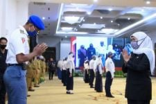 Khofifah Beri Wejangan kepada Para Guru di Jawa Timur soal Ini - JPNN.com Jatim