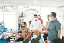 Pemkab Gresik Dorong Perusahaan Mendukung Program Vaksinasi Gotong Royong - JPNN.com Jatim