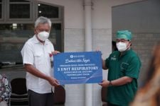 BI Jatim Donasi Alat Terapi Oksigen untuk Perawatan Pasien Covid-19 di RSUD Soetomo Surabaya - JPNN.com Jatim