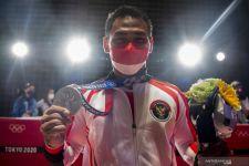 Tercatat Sebagai Atlet Jatim, Eko Yuli Dipuji Khofifah - JPNN.com Jatim