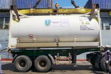 60 Ton Bantuan Oksigen Cair Tiba di Jawa Timur - JPNN.com Jatim