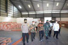 Gus Muhdlor Sidak Gudang Bulog Sidoarjo untuk Jatah Tiga Wilayah - JPNN.com Jatim