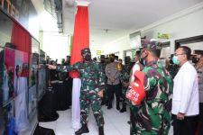 Orang Nomor Satu di TNI Mendatangi Puskesmas Porong - JPNN.com Jatim