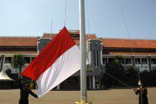 Masuki Agustus, Warga Surabaya Diimbau Kibarkan Bendera Merah Putih - JPNN.com Jatim