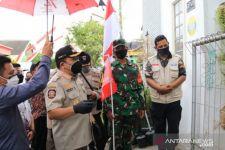 Rumah Warga Isoman di Jember Dipasangi Bendera Merah, Tujuannya... - JPNN.com Jatim