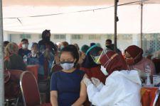 Serbuan Vaksin Dosis 2 Digelar di 67 Titik di Surabaya, Dinkes: Datang Kalau dapat Undangan - JPNN.com Jatim