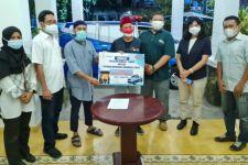 Dua Yayasan Sosial di Surabaya Sumbangkan Ambulans untuk Percepat Penanganan Covid-19 - JPNN.com Jatim