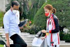 Di Kota Jatim ini Sneakers Istimewa Jokowi dari Greysia Polii itu Dibuat - JPNN.com Jatim