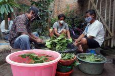 Bantu Warga Isoman, Santri di Kediri Bagikan Wedang Nglaban - JPNN.com Jatim