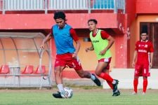 Kikis Trauma Rendika Rama, Pelatih Madura United Beri Menit Bermain - JPNN.com Jatim