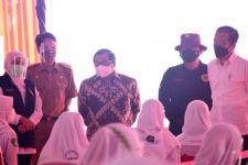 Jokowi Ke Sejumlah Tempat di Madiun, Tinjau Vaksinasi Door to Door - JPNN.com Jatim