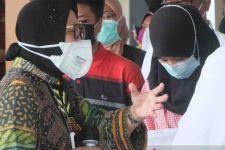 Mensos Risma Siapkan Rp 24 Miliar Untuk 10 Ribu Anak Yatim Korban COVID-19 - JPNN.com Jatim