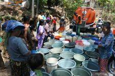 Sejumlah Daerah di Situbondo Alami Kekeringan dan Kekurangan Air Bersih - JPNN.com Jatim