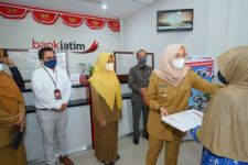 5.000 Warga Banyuwangi Terima Bantuan Uang Tunai dari Pemprov Jatim - JPNN.com Jatim