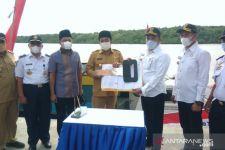 Desa Terisolasi di Sampang Dapat Bantuan Speedboat, Ibu Hamil Tak Lagi Sengsara - JPNN.com Jatim