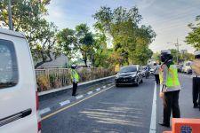 Turunkan Polwan, Perbatasan Sidoarjo-Surabaya Dijaga Ketat, Kapolres: Supaya Warga Tidak Lengah - JPNN.com Jatim