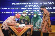 Selama ini Warga Dusun Merak Situbondo Kerap Tempuh Jalur Laut, Bupati: Pembangunan Peningkatan Jalan Segera Dilakukan - JPNN.com Jatim