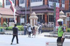 Butuh Jalan Segera, Warga Kawasan Taman Nasional Baluran Datangi DPRD - JPNN.com Jatim