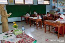 Uji Coba PTM Terbatas di Probolinggo Digelar dengan Cara Shift Learning, Maksudnya.. - JPNN.com Jatim